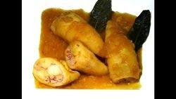 Receta Calamares rellenos de gambas en salsa de cebolla