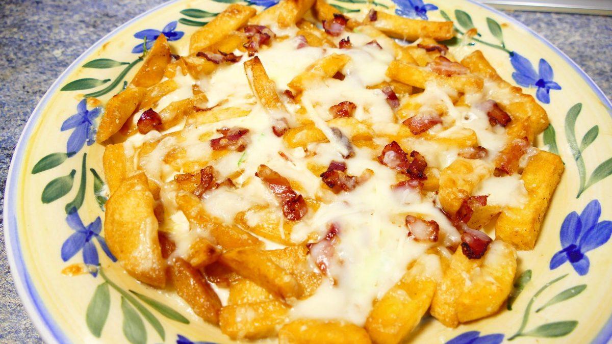 patatas con queso y bacon - Recetas de cocina faciles rapidas y economicas - Comidas ricas