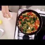 Huevos revueltos con espinacas y pimiento - Desayuno rico y nutritivo.  Mi receta de cocina