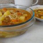 Sopa de fideos finos con carne: por las barreras de Galicia