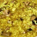 Arroz caldoso con higaditos de pollo y champiñones - Económico y saludable