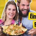 FÁCIL, DELICIOSO Y SIN ESCANEO! 🐌🥘 // Paella simple con mariscos y pollo // #yumtamtam