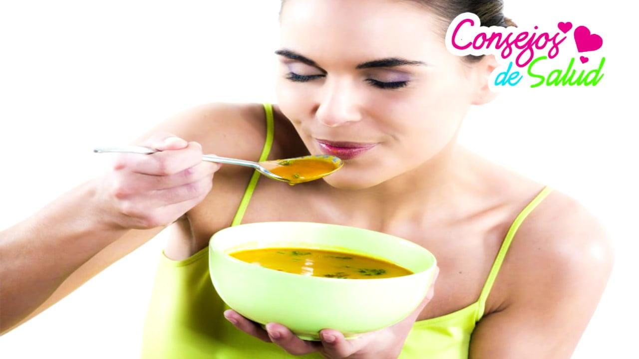 Prepara esta sopa casera para reducir esas tallas molestosas
