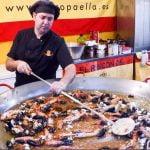 España Street Food. Enorme Paella Valenciana