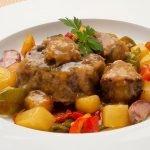 Rabo en salsa con patatas y pimientos -  Cocina Abierta de Karlos Arguiñano
