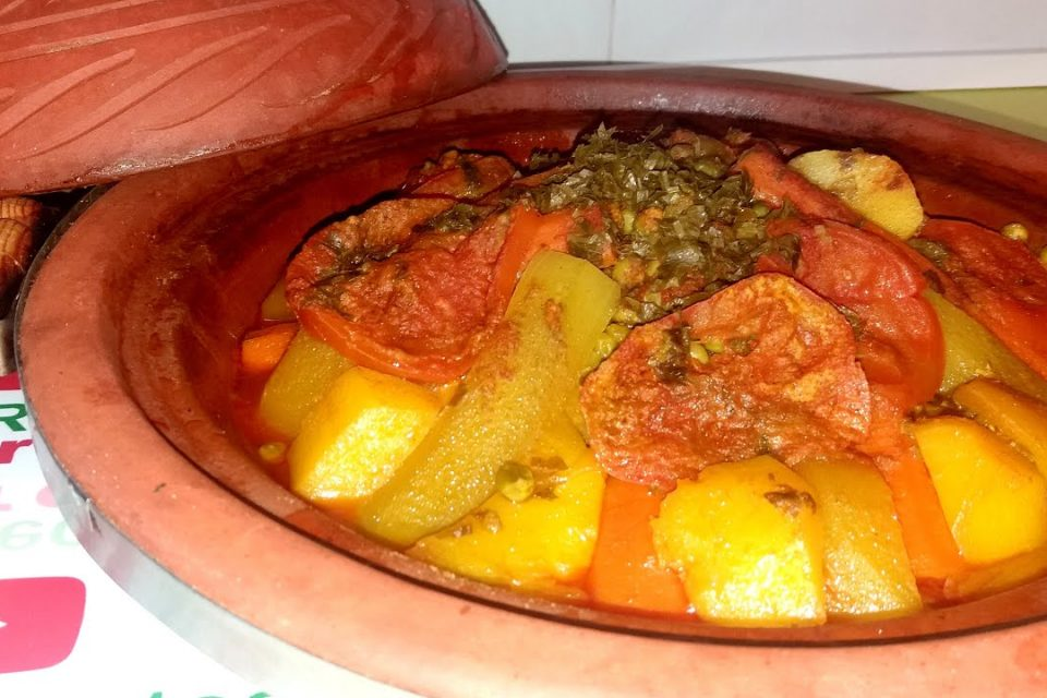 TAJIN DE POLLO CON VERDURAS   Receta Tradicional   Comida Tipica de Marruecos