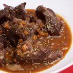 TERNERA GUISADA en salsa de vino tinto - Recetas de Cocina faciles rapidas y economicas