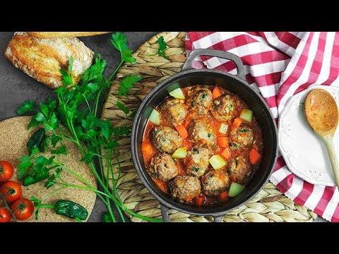 Albóndigas en salsa de verduras   Receta con Mambo
