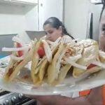 Master Shef Shialeweb Y martha en la cocina preparando cena receta especial para comer