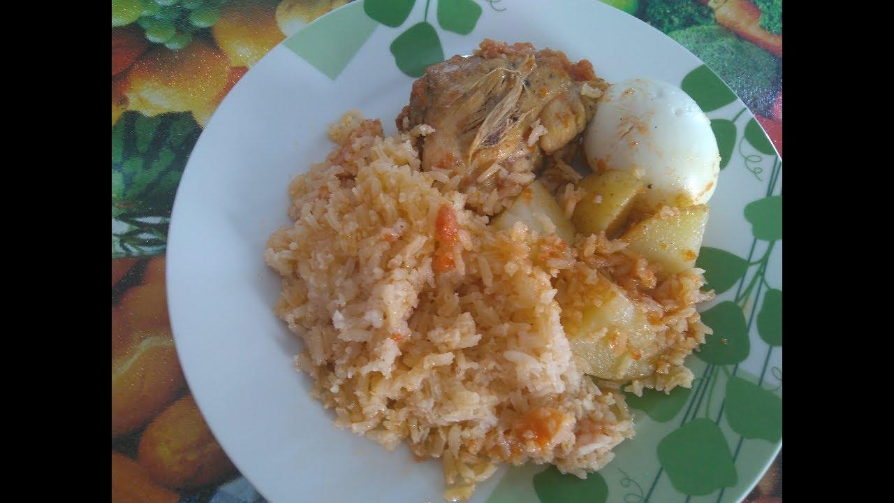 Arroz con pollo (arroz rojo seco con pollo)
