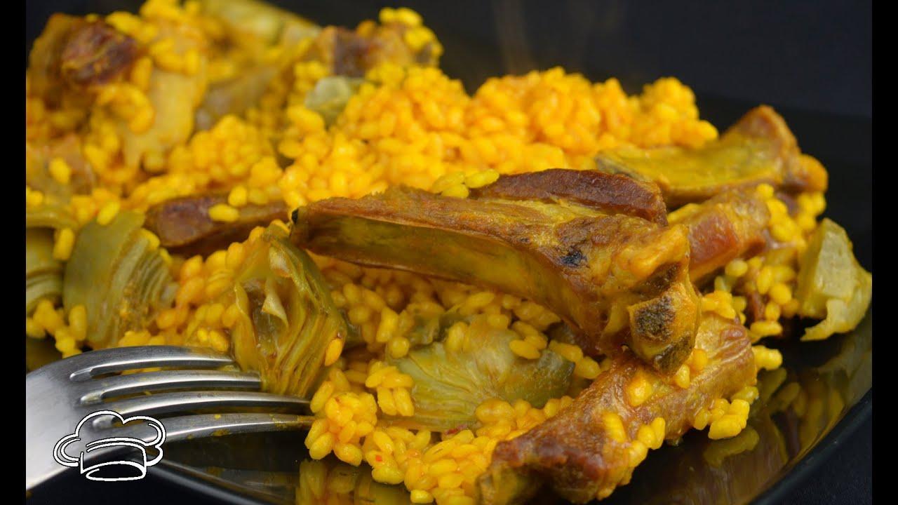 Arroz de cordero en paella con alcachofas de Tudela