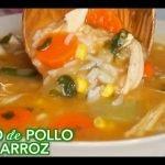 Caldo de Pollo con Arroz y verduras  -  Cómo hacer caldo de pollo con arroz   Comida Mexicana