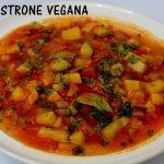 Sopa de minestrone con verduras.  Comida Vegana
