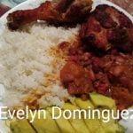 Arroz blanco habichuelas Guisadas y Pollo Frito Una Comida Tradicional de Puerto Rico