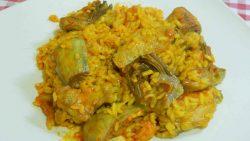 Cómo hacer un arroz con alcachofas y pollo muy fácil y delicioso