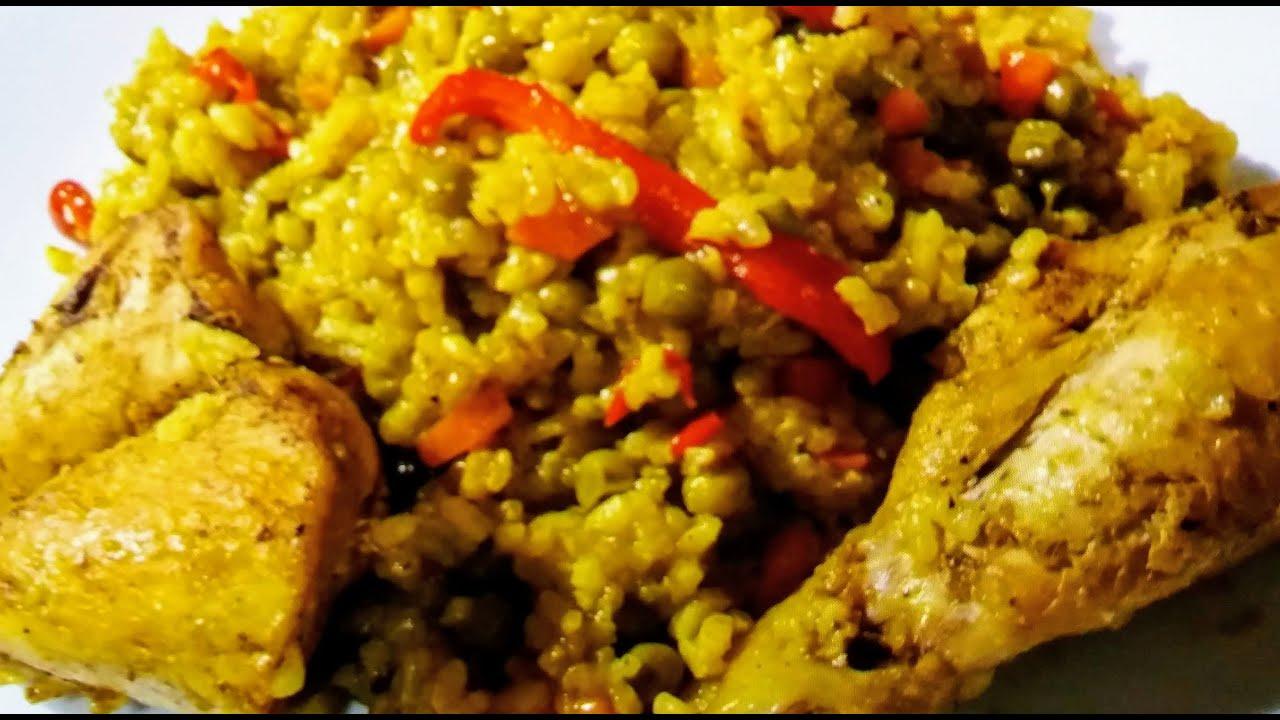 Arroz con pollo receta peruana .