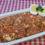 Cómo hacer ensalada huertana con tomate y caballa o atún Receta fácil, rápida y económica
