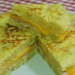 Cómo hacer una tortilla de papas rellena de jamón y queso muy sabrosa y original