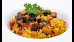 Receta de arroz con setas y ajos, paella para veganos