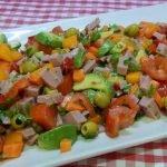 Cómo hacer una ensalada de aguacate y pavo, muy nutritiva, económica y muy sabrosa