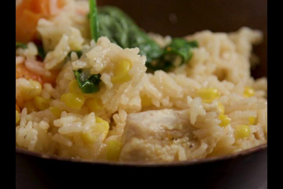 Como preparar arroz con pollo en la Multi-olla Rapida Oster