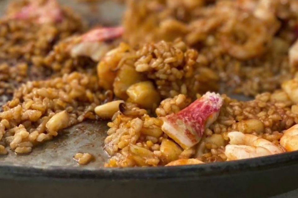Receta de arroz a banda - Iria Castro