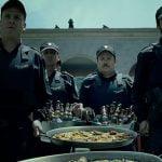 La Casa de Papel Parte 4 | Paellas y cervezas para la banda | Netflix