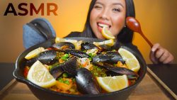 ASMR SPELISH SEAFOOD PAELLA MUKBANG 먹방 (Whispering) Squishy, ​​Scrapping, Soft Eating Sounds
