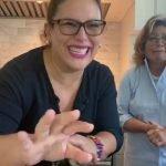 """Cocinando """"Arroz con Pollo"""".Estilo Cubano.  Angelica Vale-Angelica Maria"""