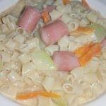 Cómo hacer sopas / sopa cremosa de macarrones 🍜.  Usando la salchicha de Viena.