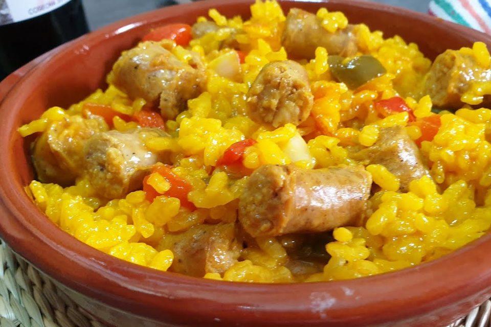 ARROZ con  SALCHICHAS - paella de salchichas  PASO A PASO