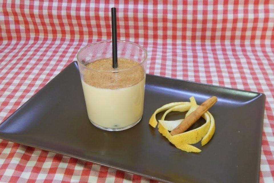 Cómo hacer un refresco tradicional y muy pero que muy rico (Leche con canela y limón)