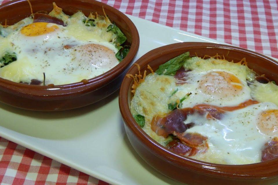 Cómo hacer unos deliciosos huevos a la cazuela Receta económica, fácil y rápida
