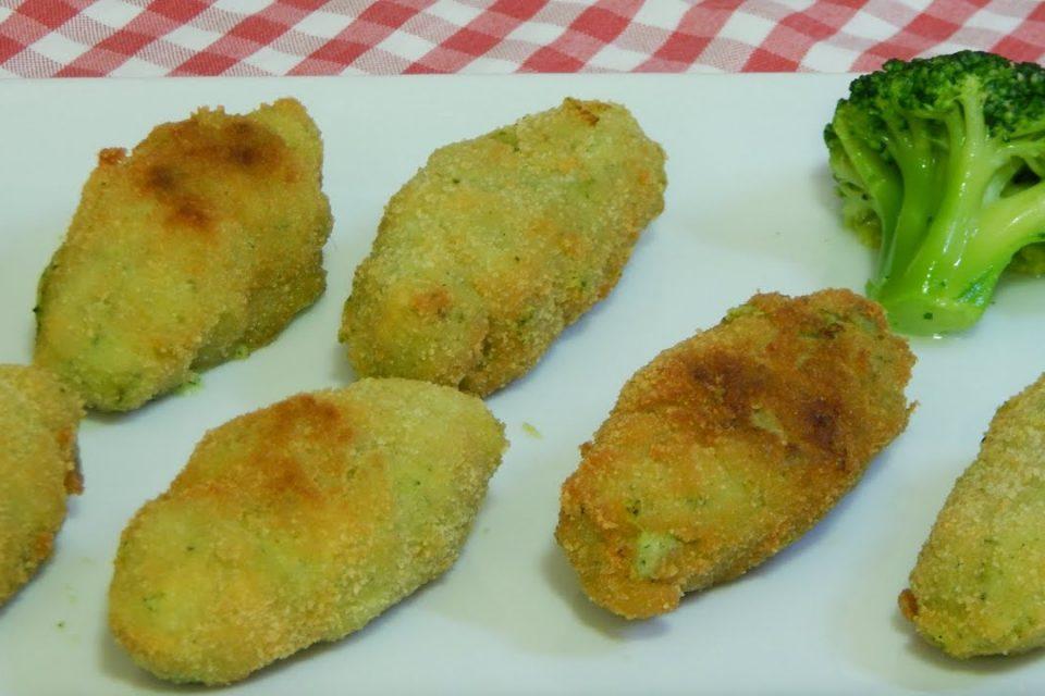 Croquetas de brócoli muy cremosas y con un rebozado muy crujiente (Receta de aprovechamiento)