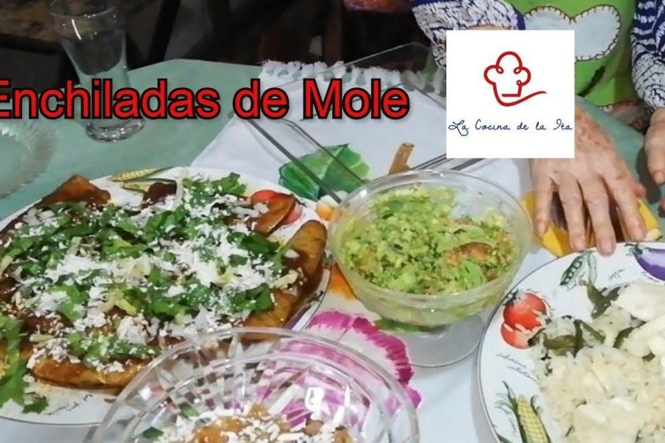 Enchiladas de Mole con pollo de la Ita. Ademas un FLAN SIN HORNO muy facil.