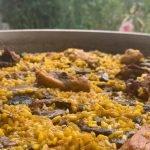 Paella  de setas, pollo y foie