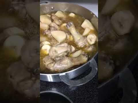 Pollo en fricase con arroz con ajos