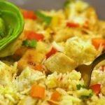 Prepara arroz de jazmín con pollo y verduras en la olla Multichef IMUSA