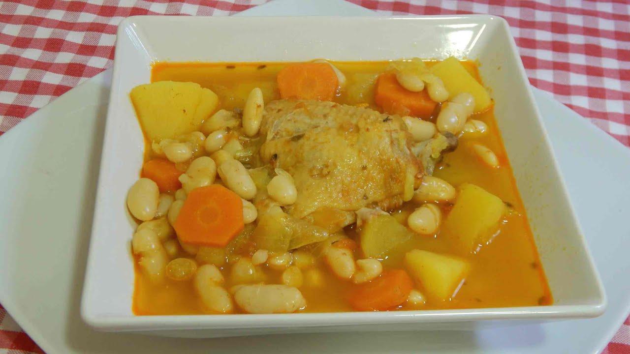 Estofado espectacular de pollo adobado con alubias