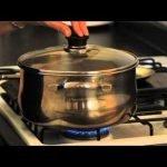 Caldo de pollo con garbanzos - Chicken Soup with Garbanzo Beans