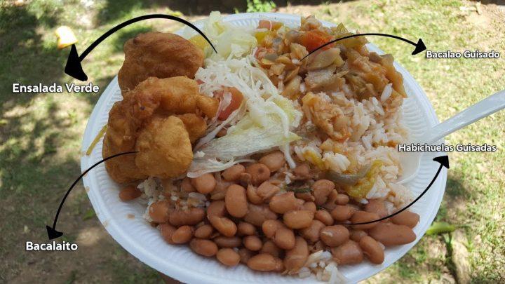 Comida Hecha en Leña / Arroz Blanco, Habichuelas Guisadas, Bacalao Guisado y Bacalaito