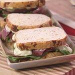 Tendencia gourmet - Pan de quesos y budín de chocolate. Sándwich de pastron.  Mi receta de cocina