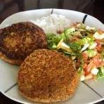 RECETA MUY BAJA EN CALORÍAS: Hamburguesa de atún - DIETAS