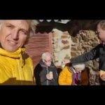 La comida de Navidad de Jesús Calleja: un picnic en un pueblo remoto de León