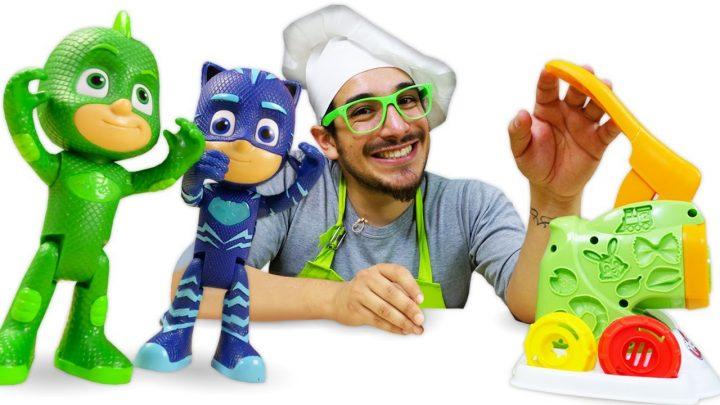 Las mejores recetas fáciles de los PJ Masks. La máquina de plastilina.Cocina para niños con Play Doh