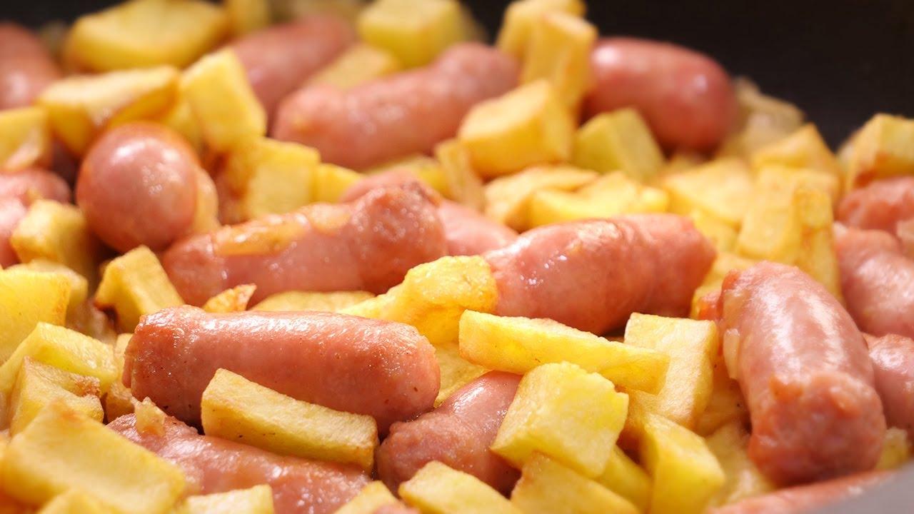 Salchichas al Vino con Patatas | Receta muy Fácil, Rápida y Deliciosa