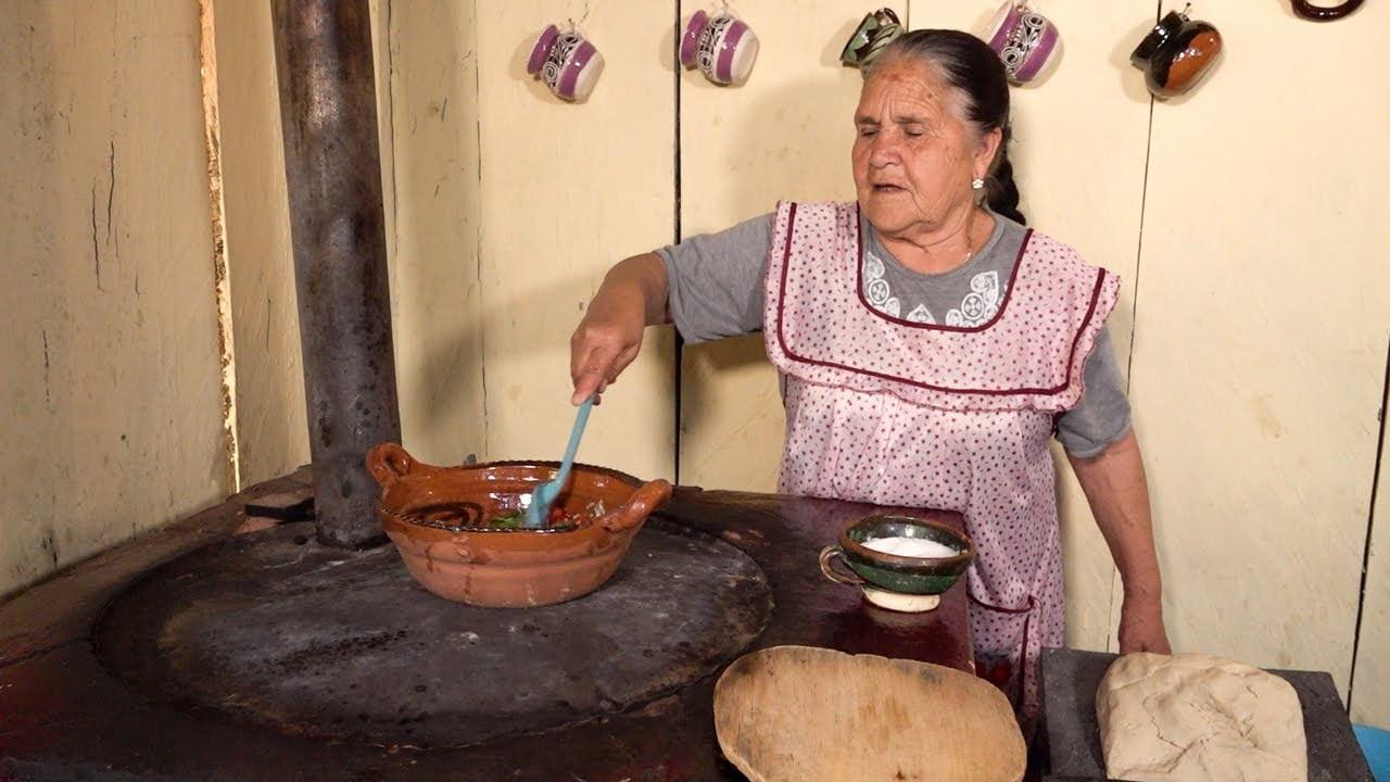 El Caldito Que Hago en Estos Tiempos De Mi Rancho A Tu Cocina