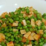 Guisantes salteados con pechuga de pavo Cocina fácil, sana y económica